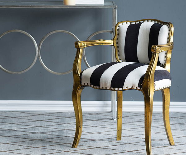 silla-dorada-negra3